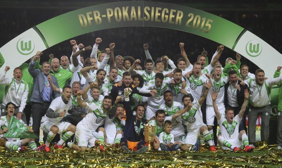 Borussia Dortmund – Wolfsburg   1-3   A Klopp non riesce il saluto perfetto, la coppa è di De Bruyne!