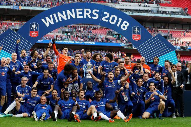 Chelsea – Manchester UTD   1-0   Conte salva la stagione, Mou no