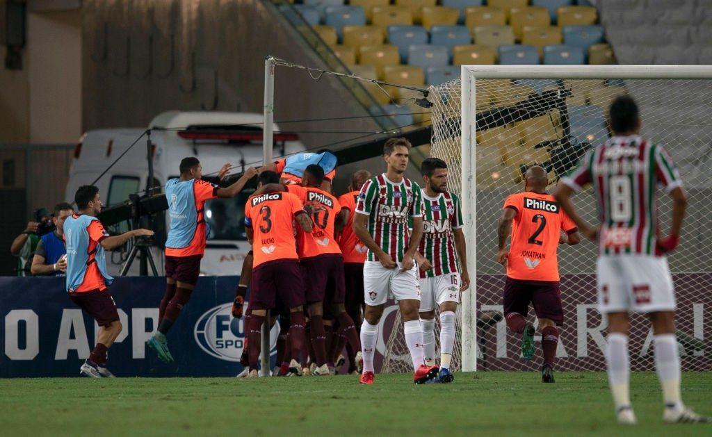Fluminense – Atletico Paranaense   0-2   Sprofondo Flu, Para per la storia