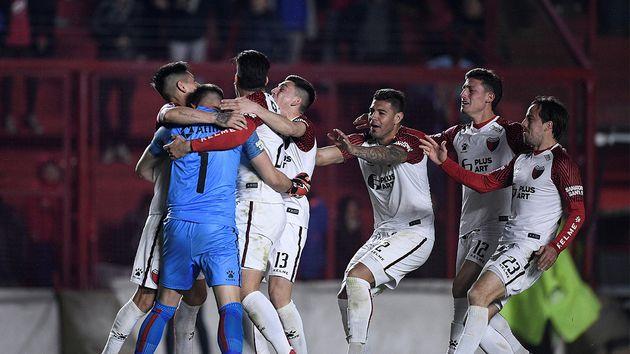 Argentinos Jrs – Colon   0-1  3-4 dcr   Il Colon rimonta e va avanti nel Derby argentino