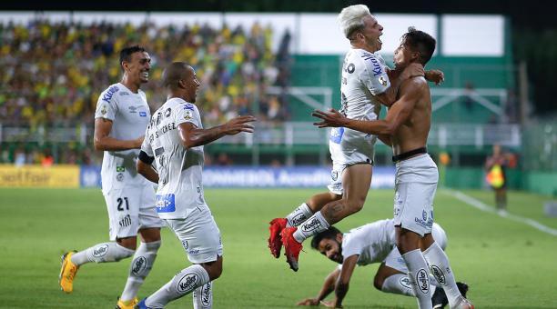 Defensa y Justicia – Santos   1-2   Il Santos ribalta con il super talento