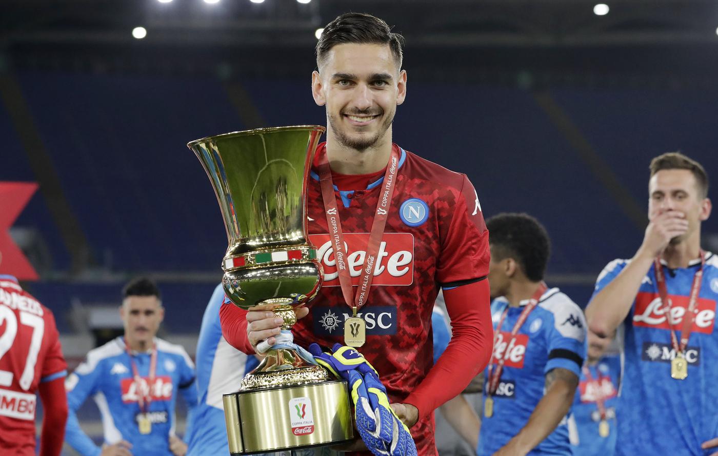 Talento dell'Anno Coppa Italia 2019-20 – Meret mani d'oro su coppa e premio!